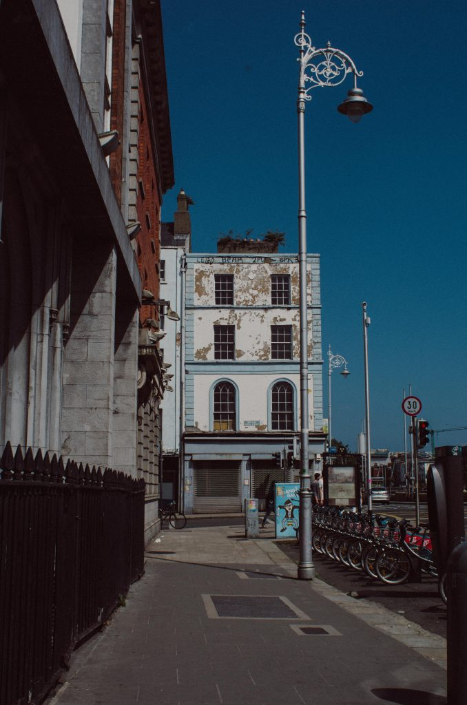 Travelogue Dublin -- a photography series by Lola Noir